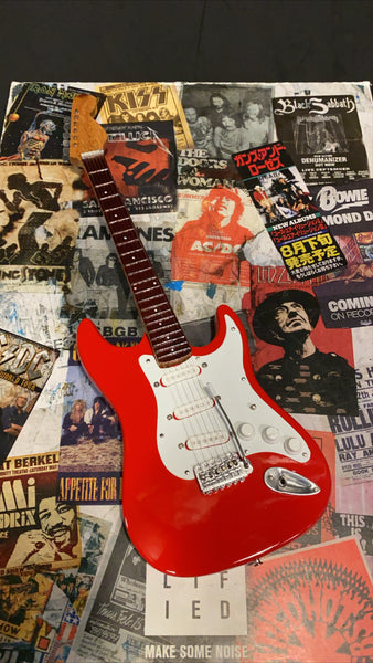 Stratocaster Red Miniature Guitar