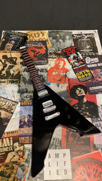 ESP Vulture BKS Hetfield Metallica Miniature Guitar