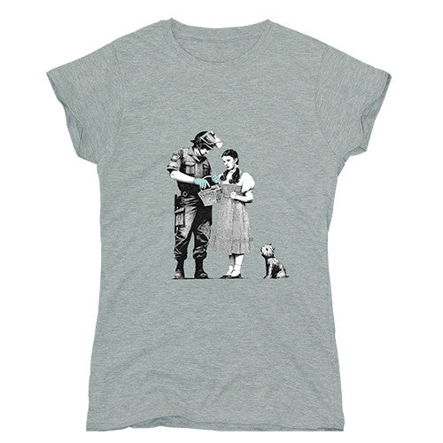 Banksy Dorothy and Policeman Women's T-shirt