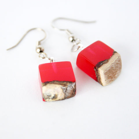 Crimson Wood & Resin Earrings - Bohomio