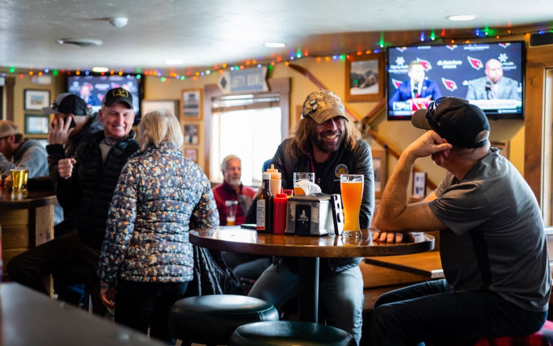 Best Apres Bars in Sun Valley — Leftys Bar