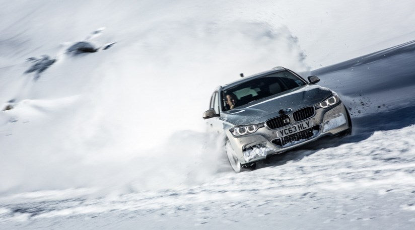 RENOUN_BMW_Best_cars_Skis_winter.jpg