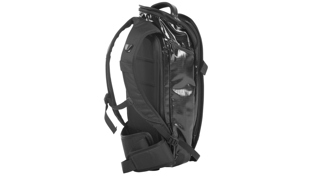 the db™ explorer backpack