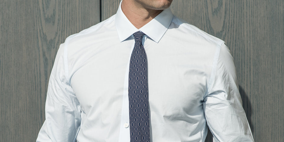 How a shirt should fit in the armhole