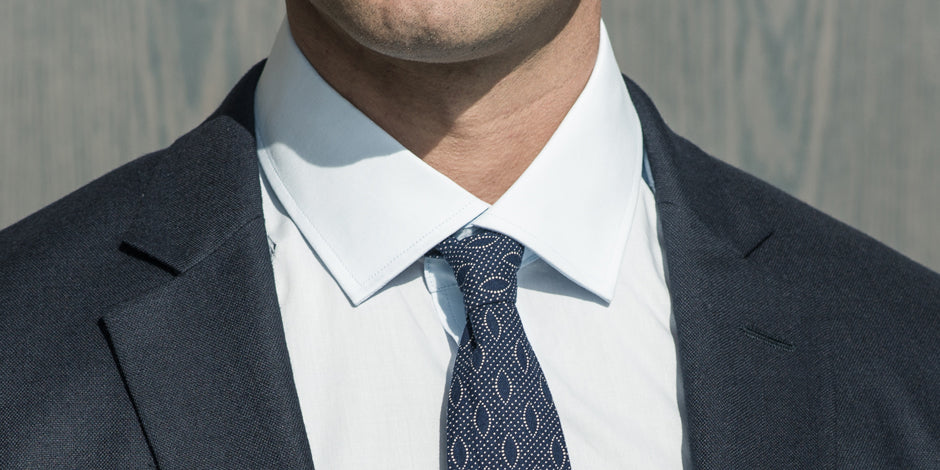 How a shirt should fit in the collar