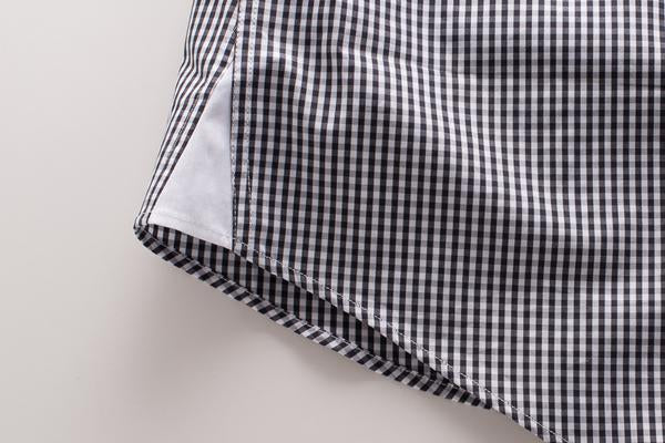 Contrast gussets on a men's dress shirt