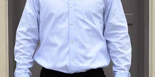 Men's dress shirt fit problems muffin top