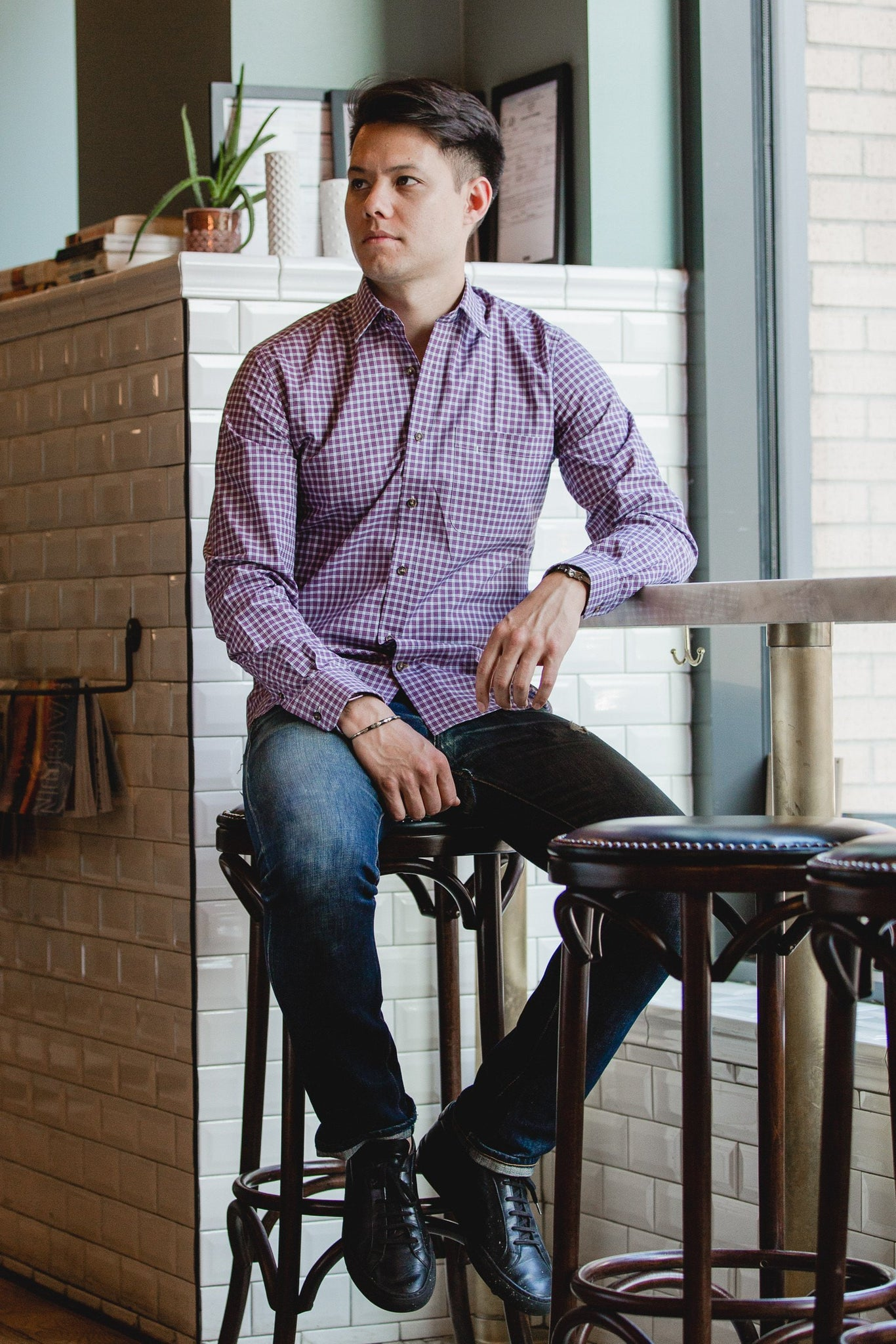 casual point collar shirt in pink, white check poplin - dumbarton - editorial