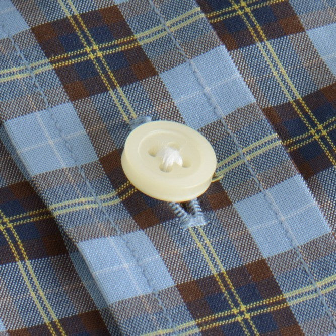 white button shirt in blue, yellow plaid poplin - traveler - detail