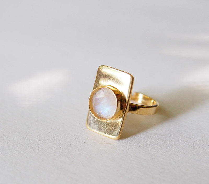 June Birthstone Moonstone Gemstone Solitaire Gold Ring