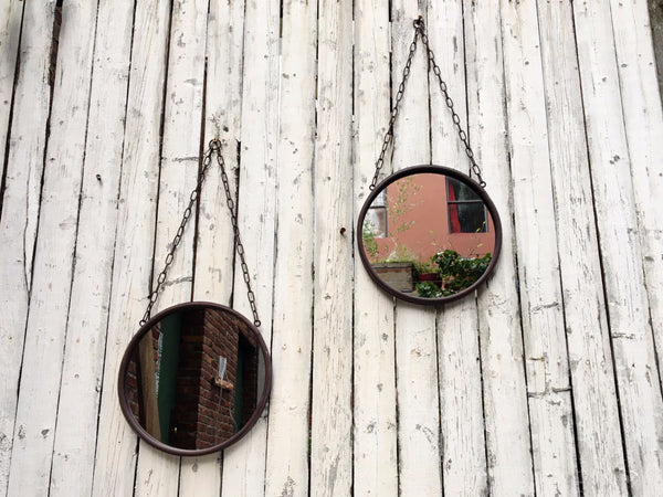 HANGING RUSTED MIRROR
