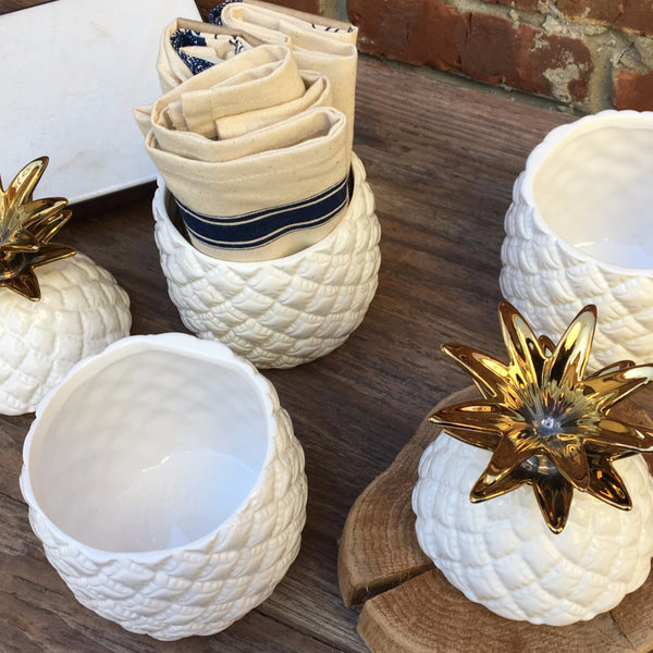 GOLD TOPPED PINEAPPLE CONTAINER