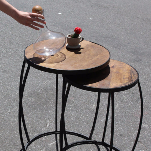 BARREL TOP NESTING SIDE TABLE