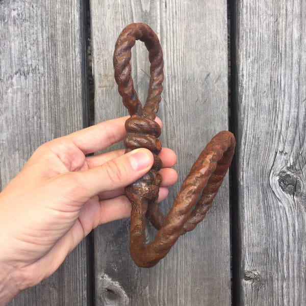 RUST ROPE HOOK