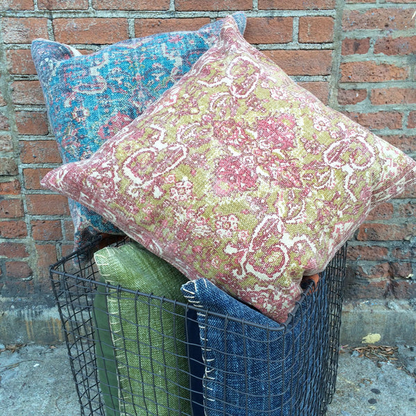 PATTERNED KILIM PILLOW    PINK