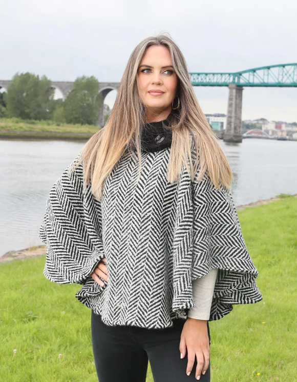 Laura Poncho - Black & Cream