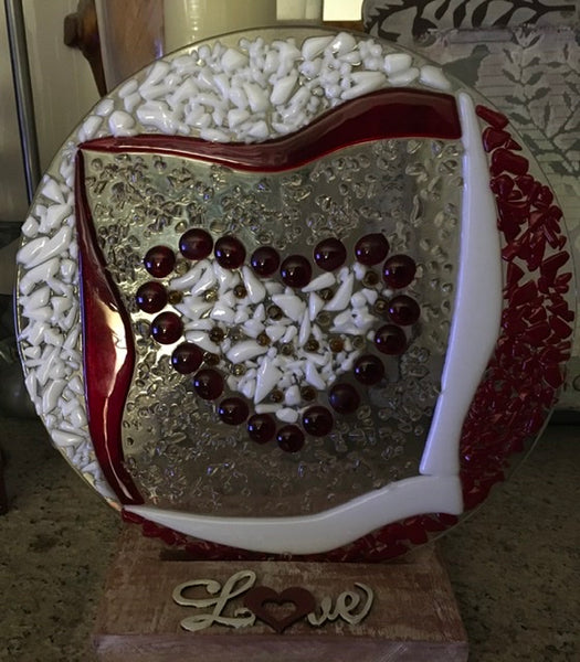 Round fused glass heart centrepiece - Glass by Annette Bruneau - Martello Alley