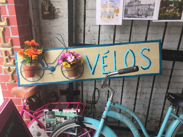 Vélos (outdoor art) - Outdoor art by David Dossett - Martello Alley