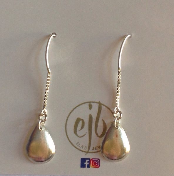 E61 Sterling silver marquis chain with brushed dappled teardrop