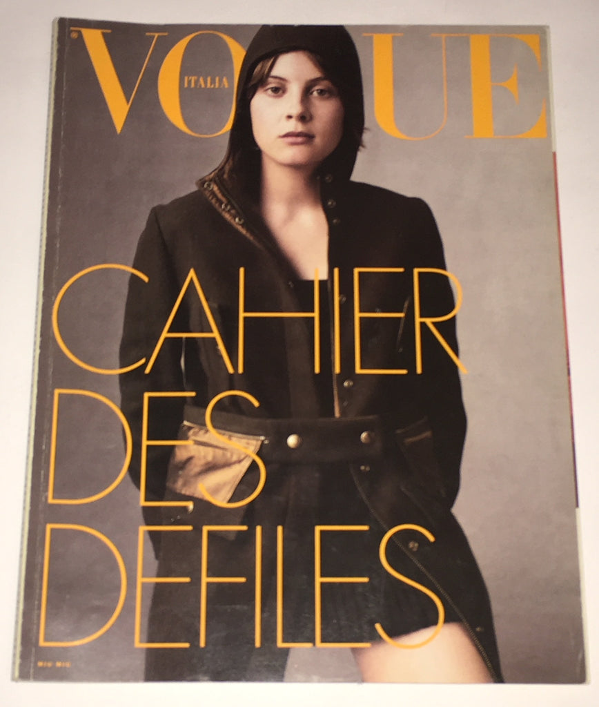 new styles ddf56 06d71 VOGUE Italia Magazine JULIET ELLIOT Dossier Sfilate PRET A PORTER Fall  Winter 1999 - 2000