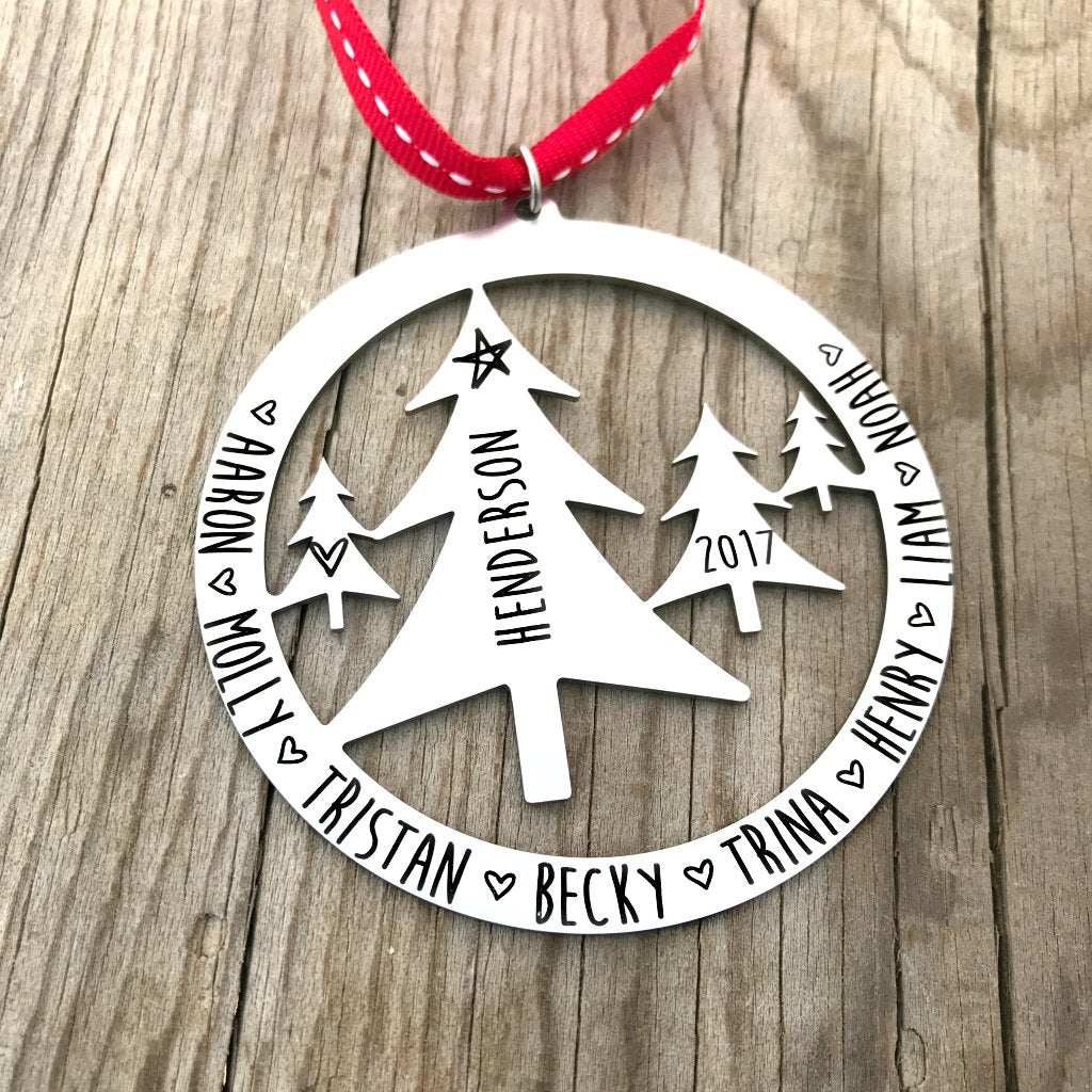 ROUND FAMILY TREE SCENE ORNAMENT
