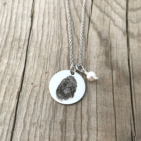 "7/8"" round fingerprint necklace with pearl"