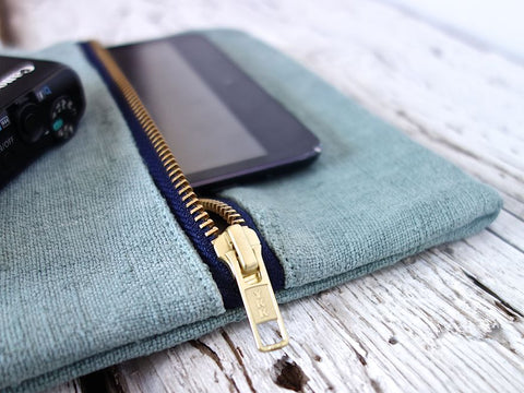 Large padded Kindle <br> or iPad zipper case