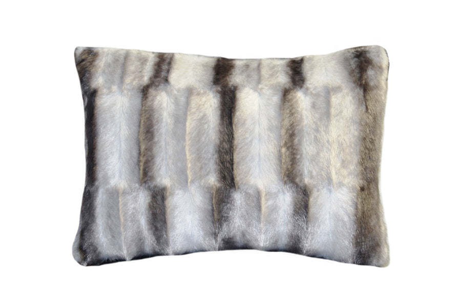 Fur Pillow 'Luxe Mink Silver' - MONTAGUE & CAPULET- - 1