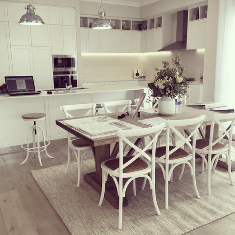 Wondrous Choosing A Hamptons Style Dining Table Henry Oliver Co Interior Design Ideas Truasarkarijobsexamcom