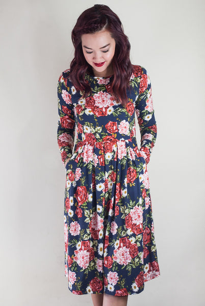 Midi dress in navy floral