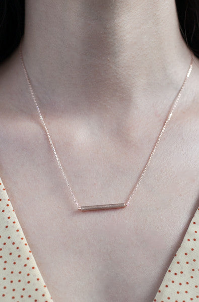Matte rose gold bar neckalce