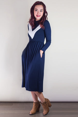 Perfect Contrast Navy Midi Dress with Pockets