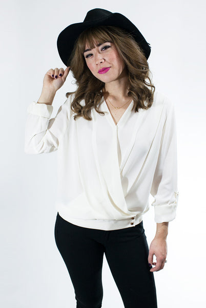 Ivory blouse with adjustable sleeves