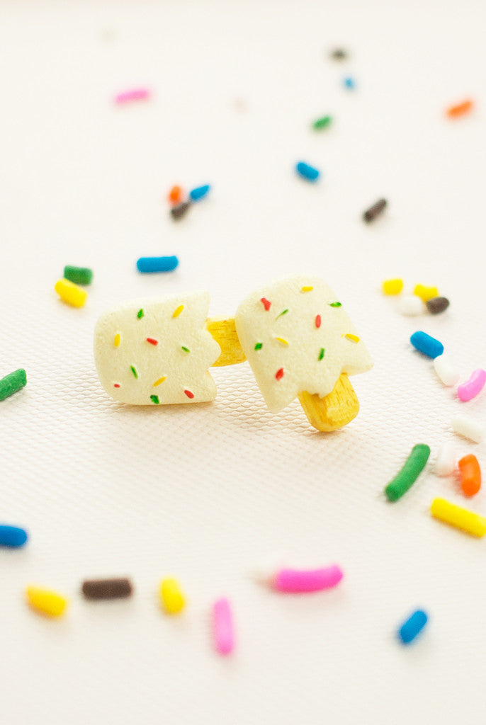 white sprinkle popsicle studs