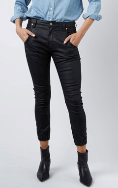 DRICOPER COATED CUFFED JEANS IN BLACK