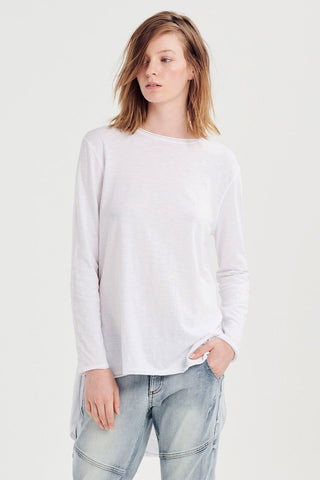 JAC + MOOKI LEXI LONG SLEEVE T-SHIRT IN WHITE