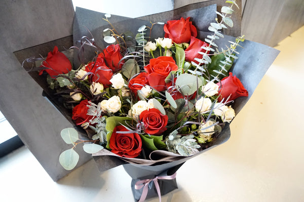 Valentein's Red rose bouquet