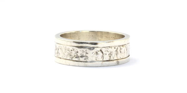 Wide Reticulated Band with Polished Sides / Mens
