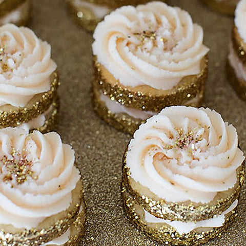Gold dusted Macarons via ZsaZsa Bellagio Blogspot