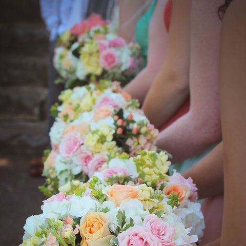 bridesmaid dress bouquet flowers roses