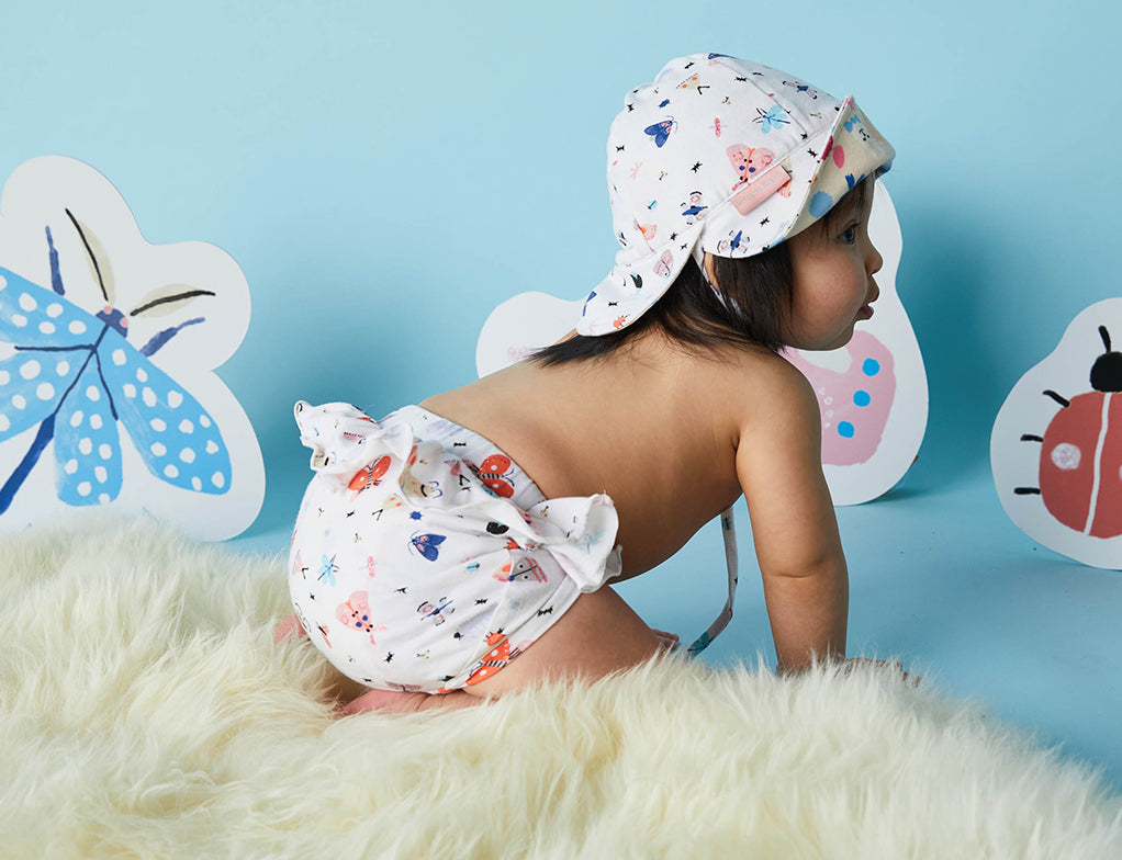 Nappy Cover ~ Love Bugs