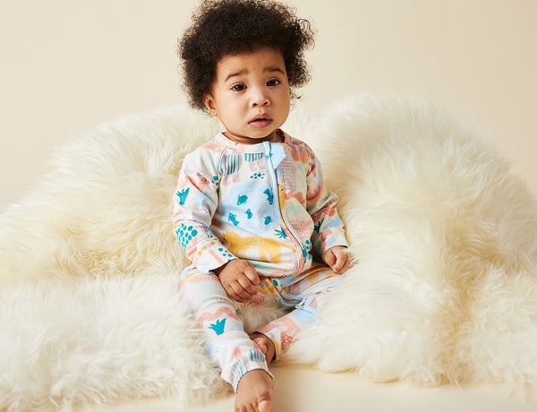 SUNSET KAKADU - LONG SLEEVE ZIP SLEEPSUIT (SIZE 6-12 M & NEWBORN AVAILABLE FOR PRE ORDER 7 NOVEMBER. ALL OTHER SIZES AVAILABLE NOW)