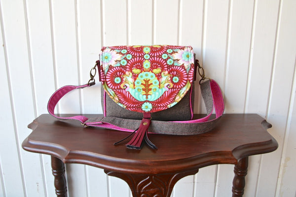 FREE The Sweet Pea Saddle Bag - PDF Sewing Pattern