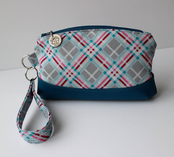 Free The Clematis Wristlet Pdf Sewing Pattern Blue