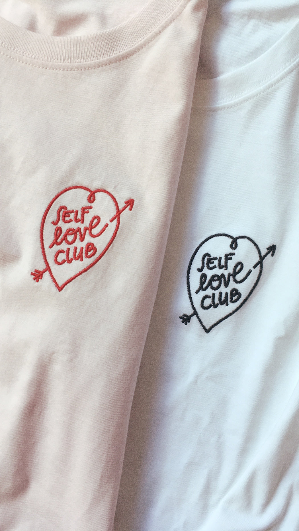 T-Shirt, Rosa – SELF LOVE CLUB, mit rotem Motiv