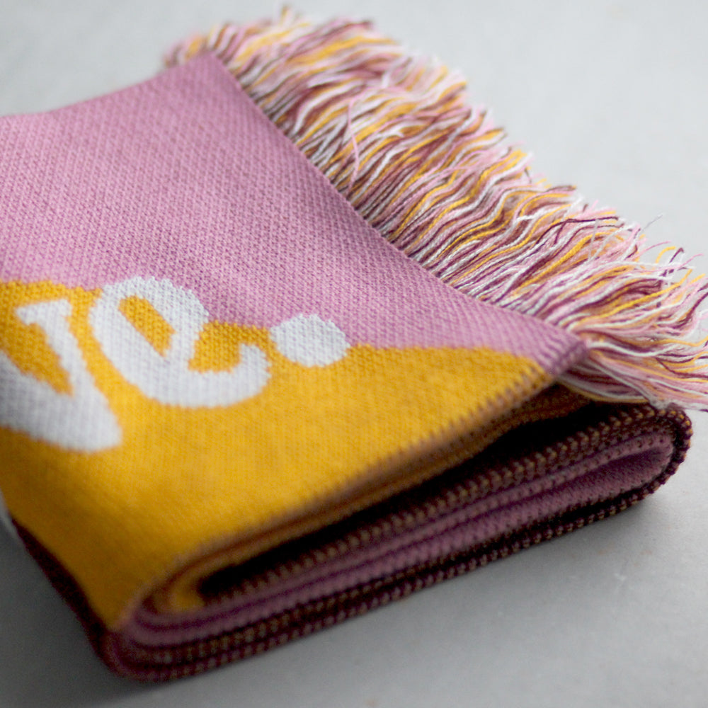 Schal / Scarf - Be nice. Do good. Share love., yellow/pink/darkred