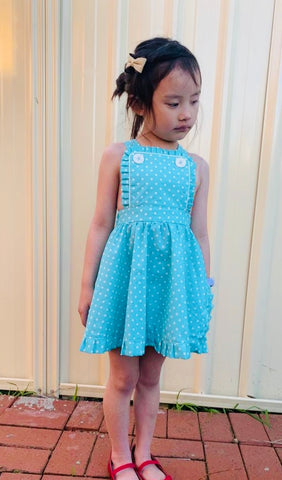 Dress: Lolita pinafore
