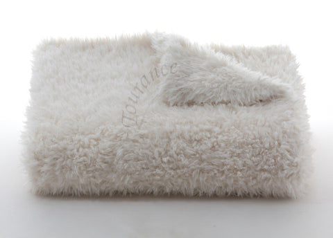 Lux Throw Lamb Wool Cream