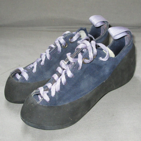 USHBA climbing shoes = 8 inches long