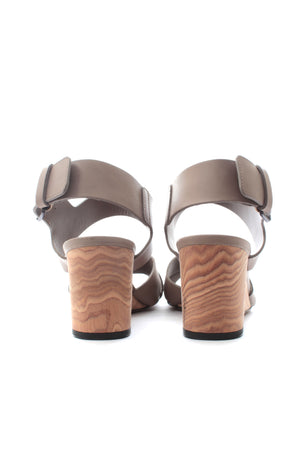 Vince 'Gwyn' Leather Wedge Sandals
